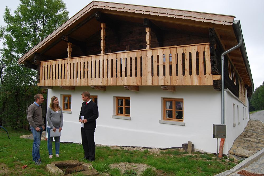 bezirk und bezirkstag niederbayern so ein haus hat eine andere seele. Black Bedroom Furniture Sets. Home Design Ideas